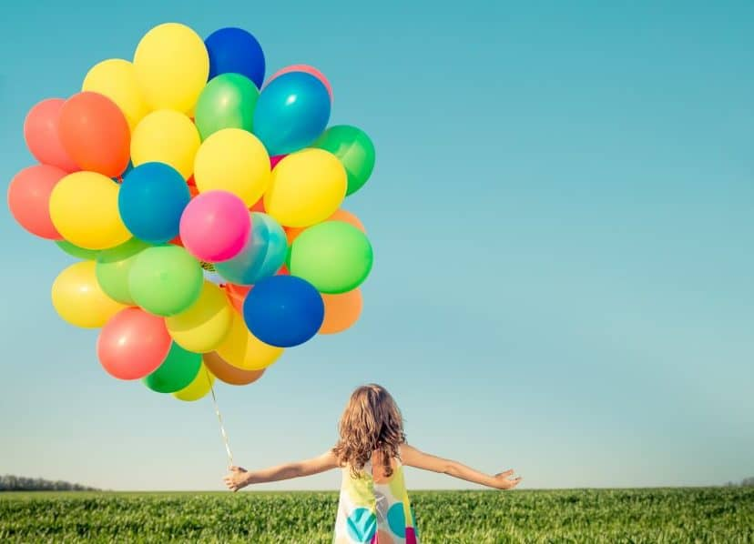 The playful guide of summer toys for young kids (12 ideas under 20$)